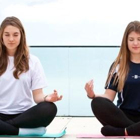 25748-cropped-w971-h462-of-1-FFFFFF-beau-soleil_yoga