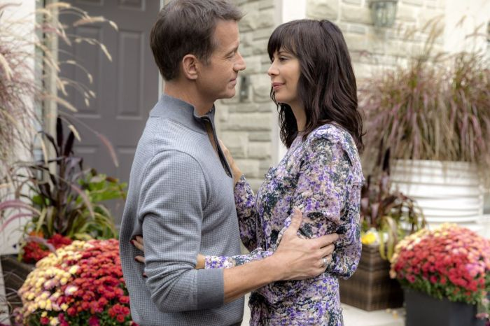 catherine-bell-good-witch-season-4-poster-and-photos-10