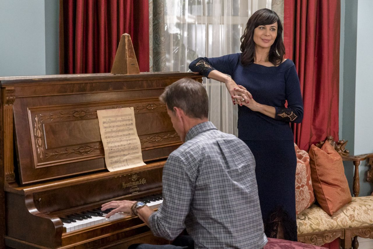 catherine-bell-good-witch-season-4-poster-and-photos-7