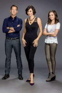 catherine-bell-the-good-witch-tv-series-promo-2015-_3