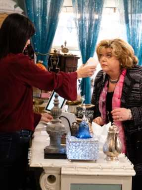 does-it-pass-the-sniff-test-the-good-witch-s5e9