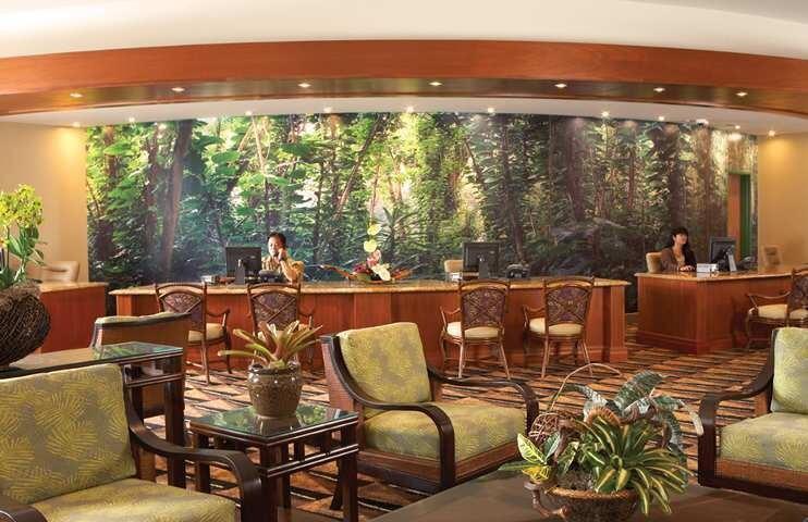 imagenes-del-centro-de-visitantes-de-la-recepcion-del-hotel-y-las-habitaciones-de-jurassicworld-original