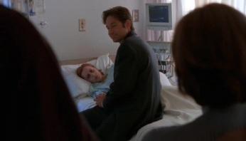 The-X-Files-Season-5-Episode-2-9-459c