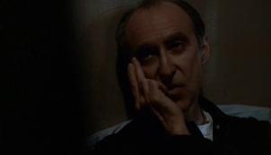 The-X-Files-Season-5-Episode-20-18-c1f7