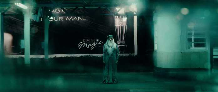 """HP6-TRLF5-1788 MICHAEL GAMBON as Professor Albus Dumbledore in Warner Bros. PicturesÕ fantasy adventure ÒHarry Potter and the Half-Blood Prince."""""""