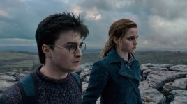 """HP7-1-FP-0337 (L-r) DANIEL RADCLIFFE as Harry Potter and EMMA WATSON as Hermione Granger in Warner Bros. Pictures' fantasy adventure """"HARRY POTTER AND THE DEATHLY HALLOWS – PART 1,"""" a Warner Bros. Pictures release. Photo courtesy of Warner Bros. Pictures"""
