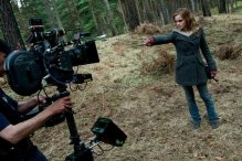 behind-the-scenes-of-deathly-hallows-harry-potter-16079094-720-480