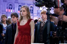 Deathly-Hallows-Part-1-Behind-the-Scenes-harry-potter-27408040-1280-853