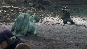 Deathly-Hallows-Part-2-Behind-the-Scene-Pictures-harry-potter-25305704-838-470