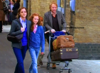 Deathly-Hallows-Part-2-Behind-the-Scenes-harry-potter-26688497-500-367