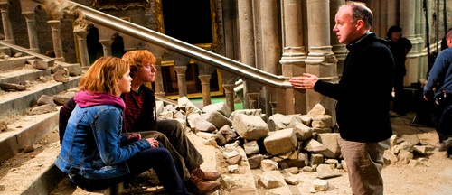Deathly-Hallows-Part-2-Behind-the-Scenes-rupert-grint-26689852-500-216