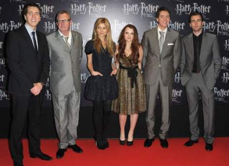 Evanna-Lynch-Clemence-Poesy-Oliver-James-Phelps-Harry-Potter-Deathly-Hallows-France-Premiere
