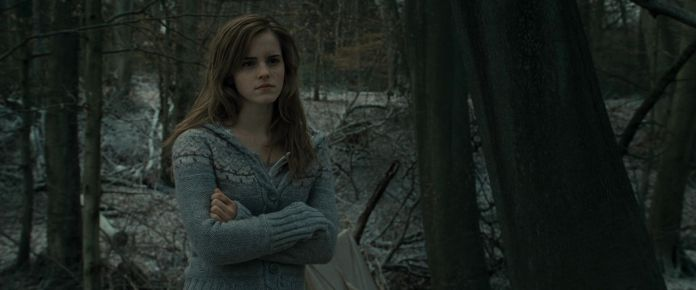Harry-Potter-and-the-Deathly-Hallows-Part-1-BluRay-emma-watson-21355909-1920-800