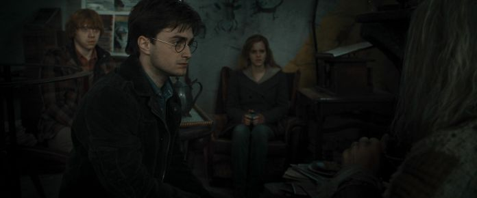 Harry-Potter-and-the-Deathly-Hallows-Part-1-BluRay-emma-watson-21382167-1920-800