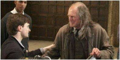 Harry-Potter-BTS-Filch-Loves-Harry