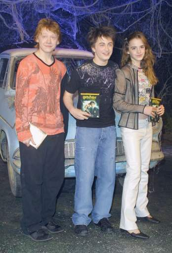 Harry-Potter-Chamber-Secrets-DVD-Launch-2003