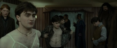 Harry_Potter_and_the_Deathly_Hallows_Part_1_KISSTHEMGOODBYE_NET_0202