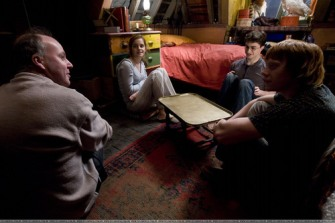 HBP-behind-the-scenes-harry-potter-9458162-500-333