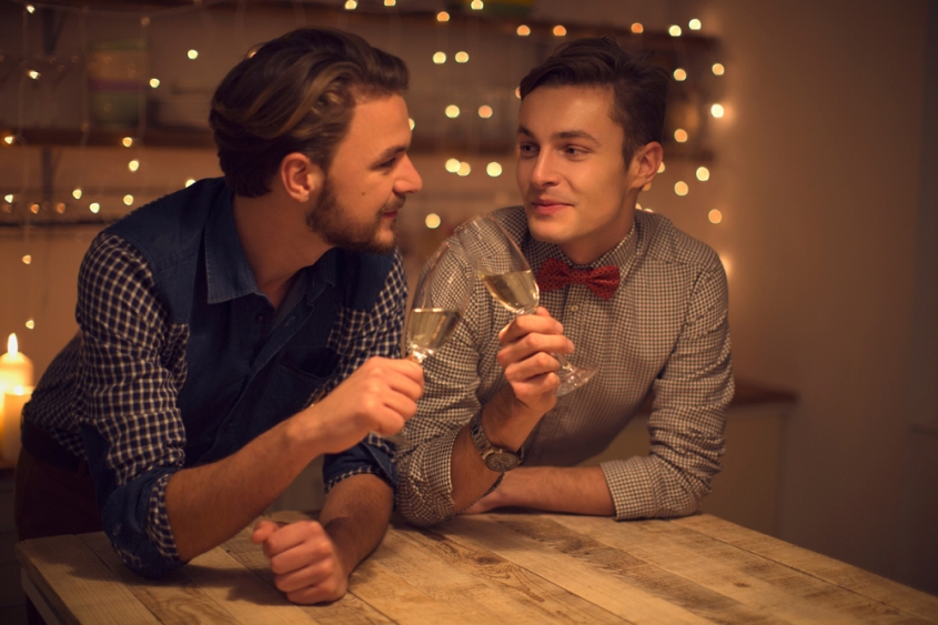 gay-couple-dating