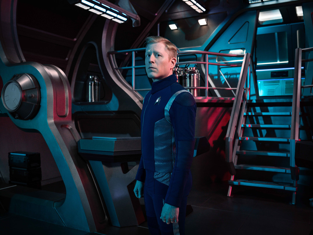 Anthony Rapp as Paul Stamets of the CBS ALL ACCESS series STAR TREK: DISCOVERY. Photo Cr: James Dimmock/CBS ©2018 CBS Interactive, Inc. All Rights Reserved.