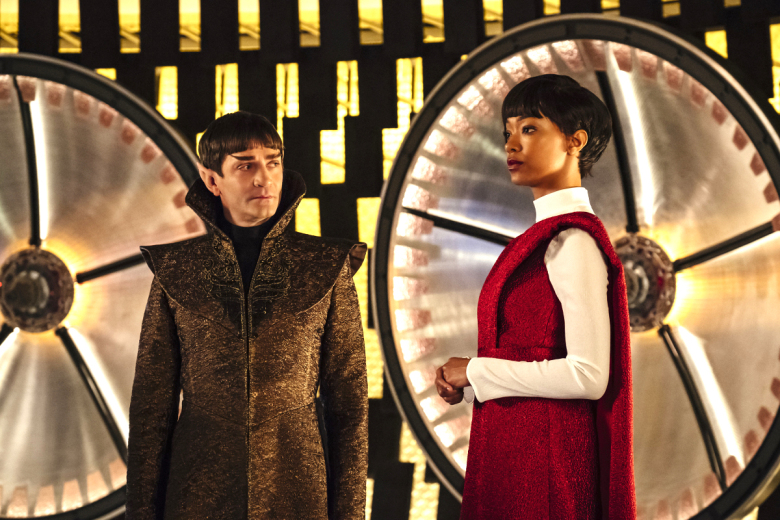 """Battle at the Binary Stars"" -- Ep #102 -- Coverage of the CBS All Access series STAR TREK: DISCOVERY. Pictured (l-r): James Frain as Ambassador Sarek;  Sonequa Martin-Green as First Officer Michael Burnham. Photo Cr: Jan Thijs  © 2017 CBS Interactive. All Rights Reserved."